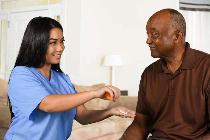 tips-to-help-seniors-manage-their-medications-at-home